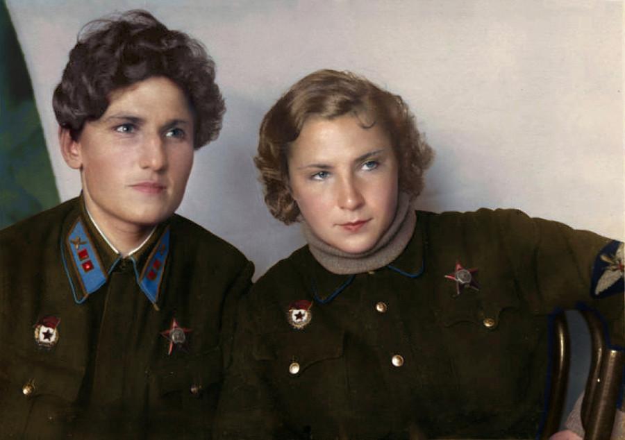 Девчонки, сбившие 23 немецких самолета на двоих