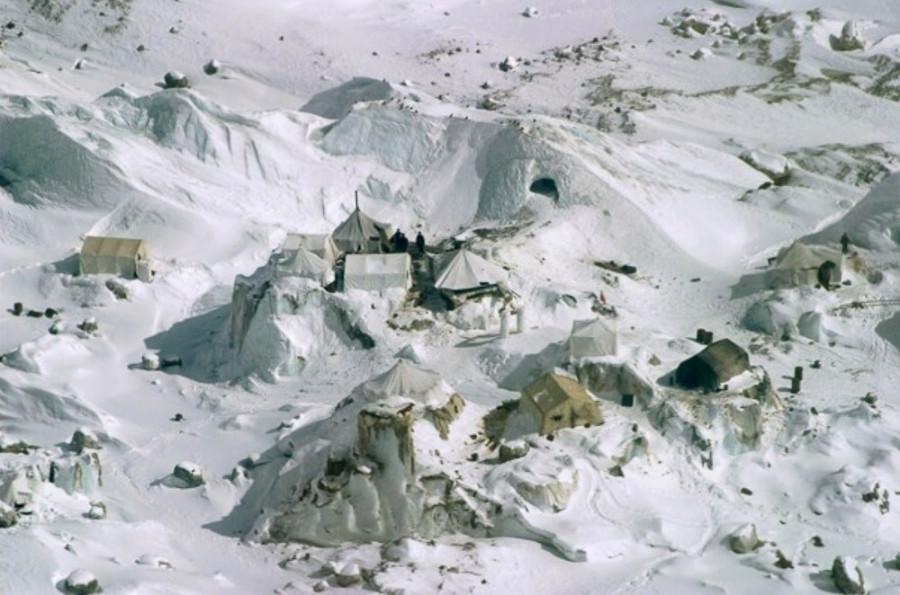 Многолетняя борьба за огромную глыбу льда в Карокоруме