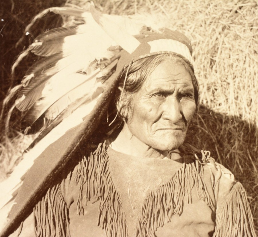 The Indian, who was chased by the fourth part of the entire American army of the war, Geronimo, Indians, American, only, after, detachment, army, Apache, Americans, reservations, herded, resistance