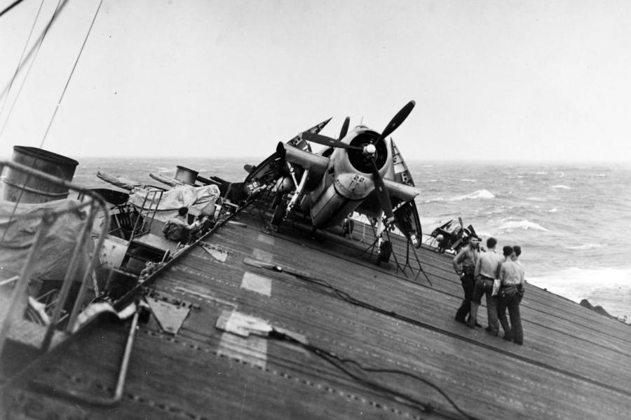 Как американский флот потерпел поражение в 1944 году. Но не от японцев. А от тайфуна