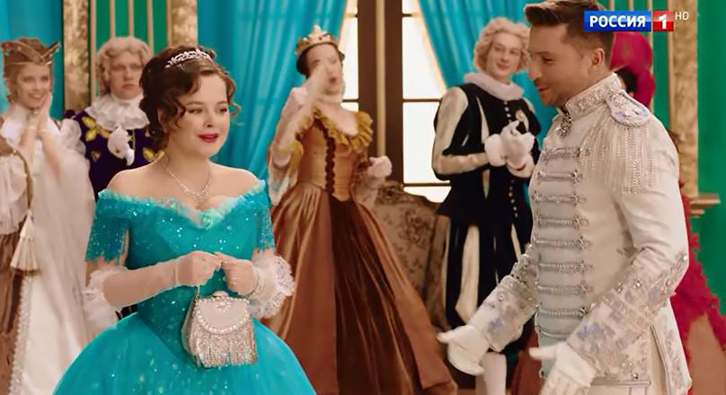 А как вам новогодний мюзикл «Золушка» на «России 1»? Выключили или досмотрели? Елена, Медведева, сыграл, Получилось, получилась, больше, Гальцев, романтичного, Woman, богато», значит, короля, сделал, Comedy, понравилась, всего, придурка, какогото, «дорого, наряде