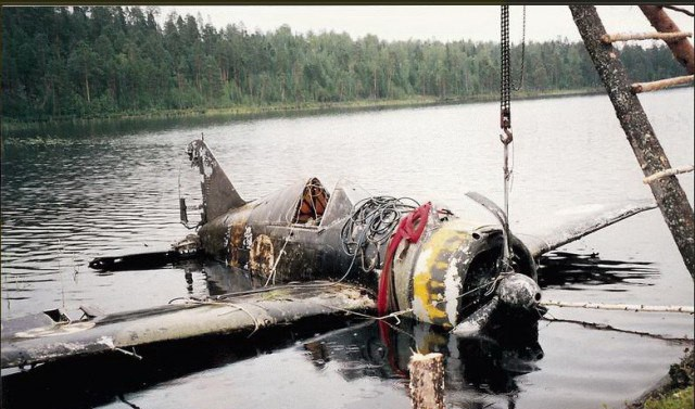 Старый финский истребитель