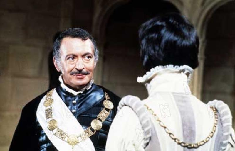 Настоящий благородный граф де Монсоро и его враг и обманщик де Бюсси