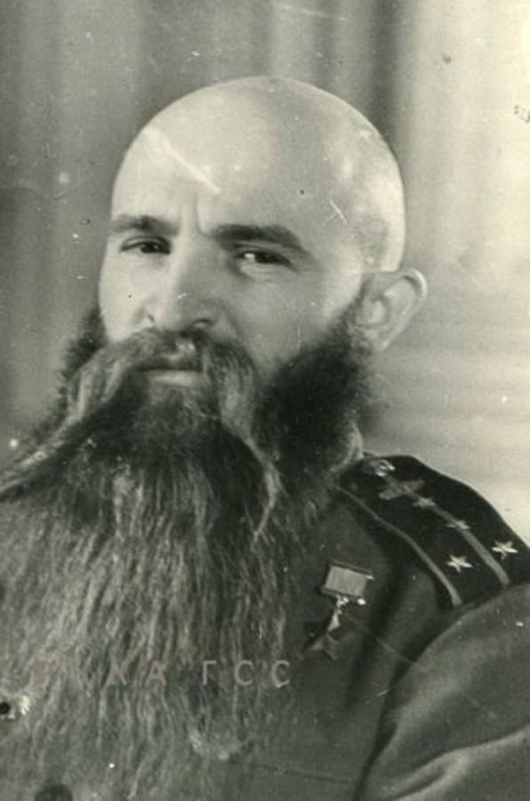 Как танкист отпускал бороду до победы