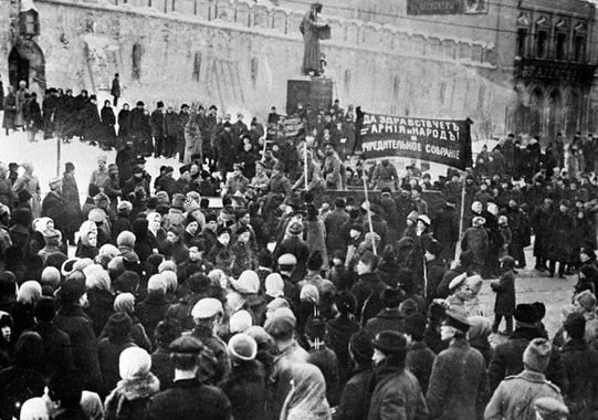 Как товарищи большевики начали разгонять демонстрации