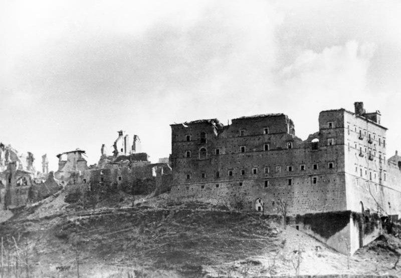 Как англичане и американцы уничтожили Монте-Кассино
