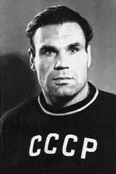 Побеждал немцев на поле боя и борцовском ковре