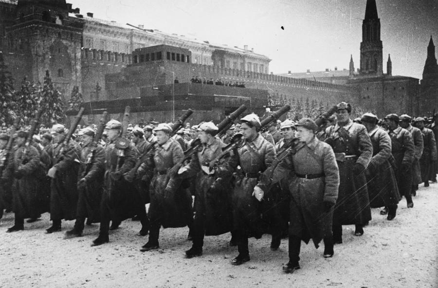 Парад Победы длиной в девятнадцать дней