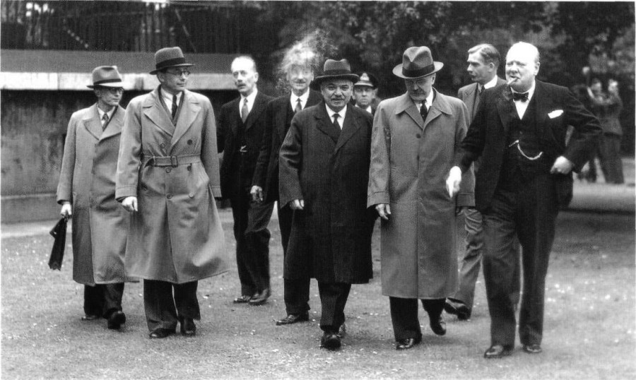 Как советский посол Майский объяснил англичанам присоединение Прибалтики к СССР