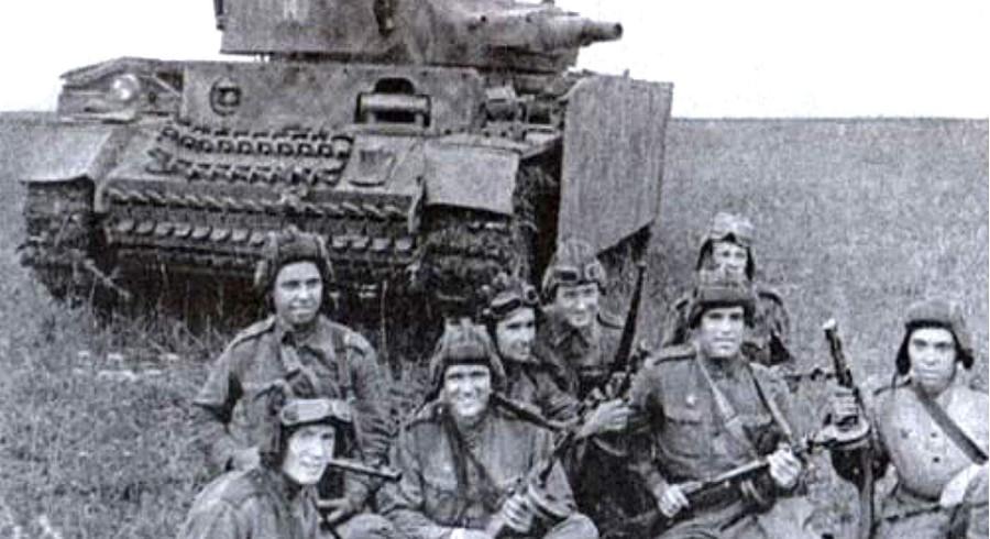 Как советские разведчики угнали немецкий танк