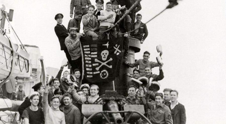 Как англичане сбили самолет торпедой