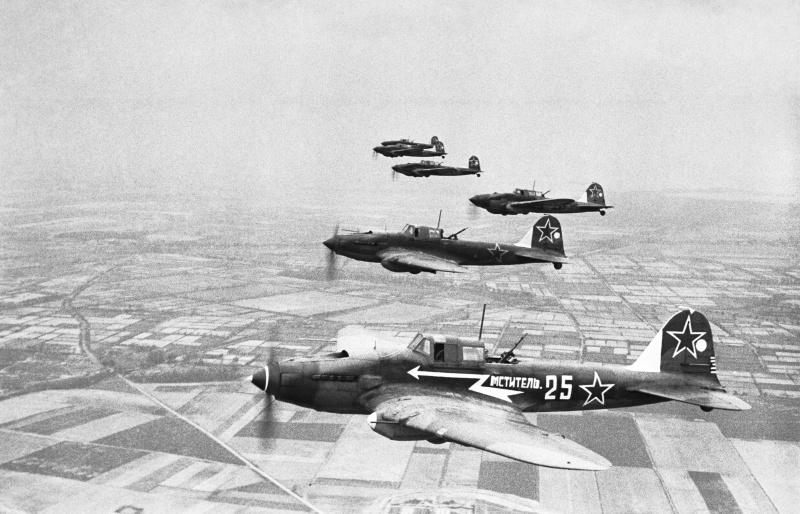 Так каким было соотношение потерь стрелков и летчиков на штурмовиках Ил-2?