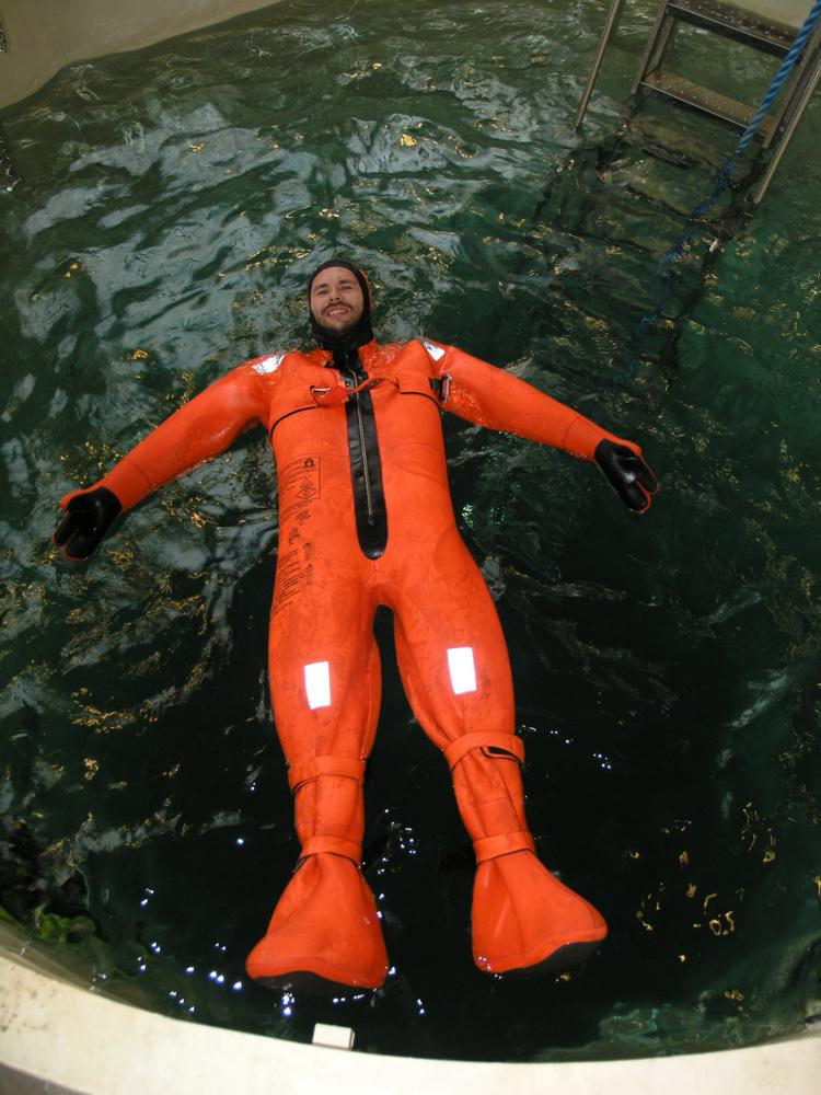 поплавки спасательные