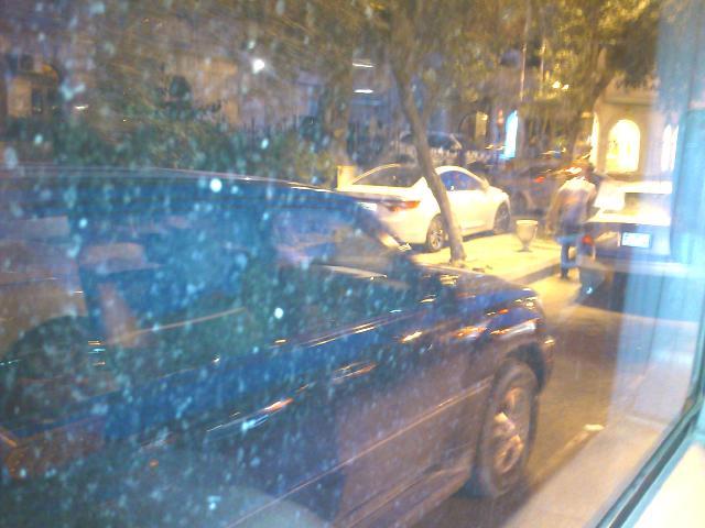 _0148_Баку ночью сквозь стекло автобуса