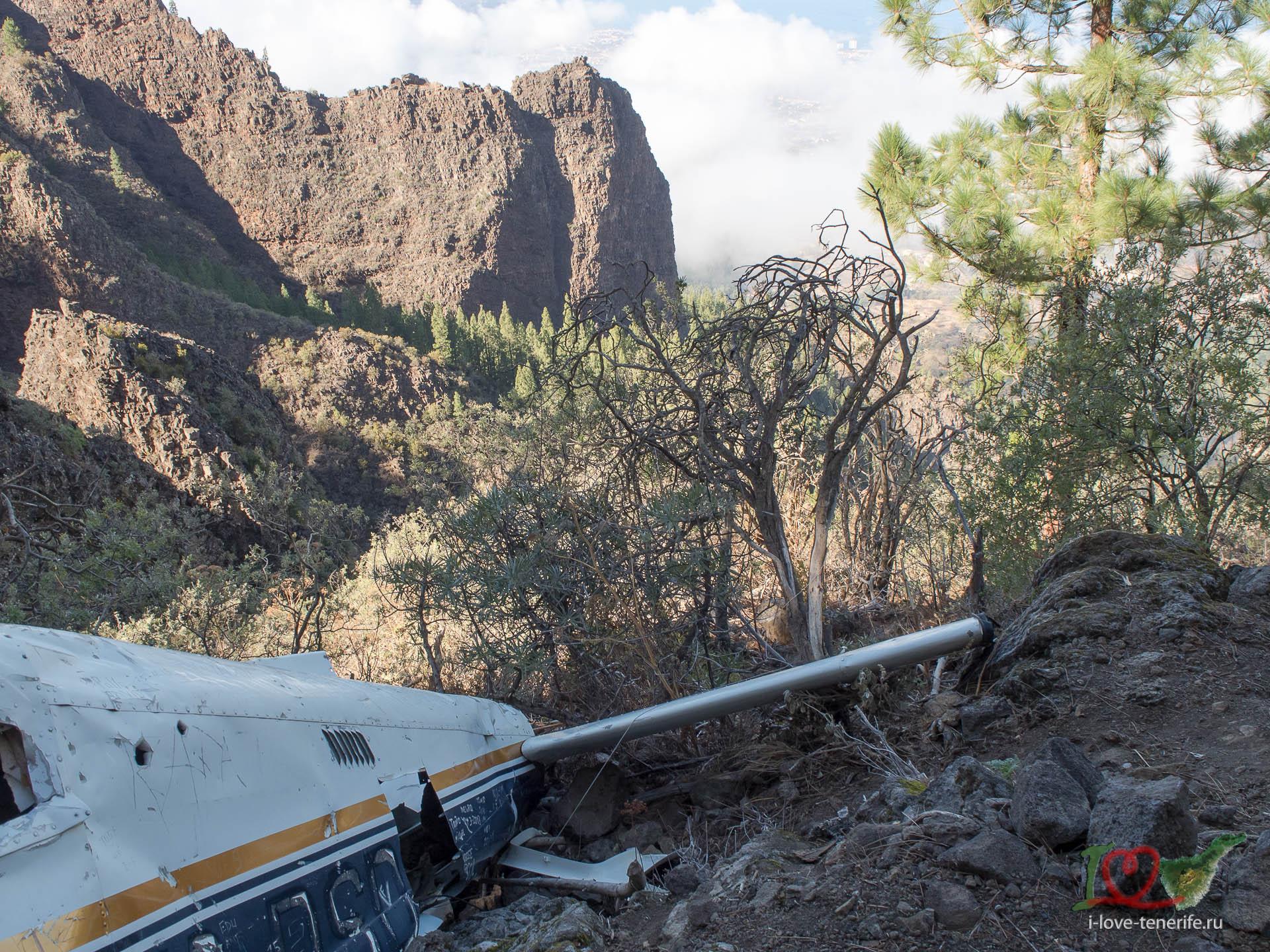 Упавший самолет в горах Тенрифе