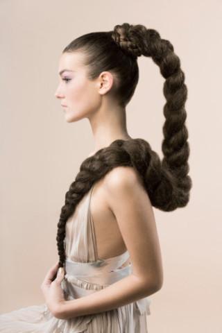 Я считаю что длинные волосы очень