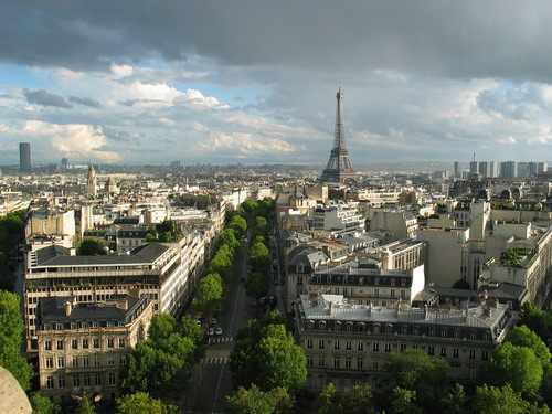Париж, Франция, все серое