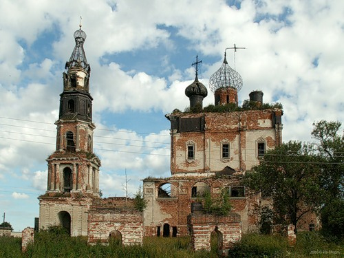 Троицкая церковь в с. Кой (2006)