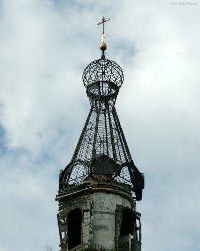 Колокольня Троицкой церкви в с. Кой (2006)