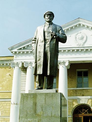 Ленин у ГКЦ (Вичуга)
