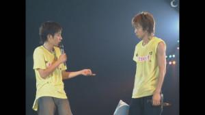 [DVD] ARASHI 2003¡¸How¡¯s it going£¿¡¹MC logo~1.avi_snapshot_01.48_[2013.11.24_16.25.52]
