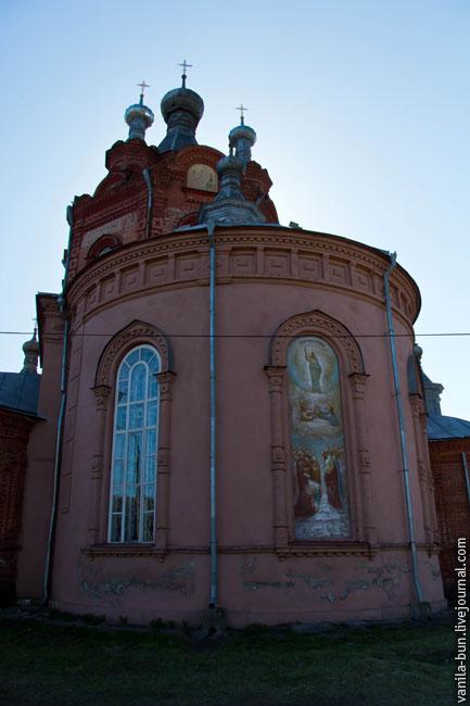 6_Сзади собора
