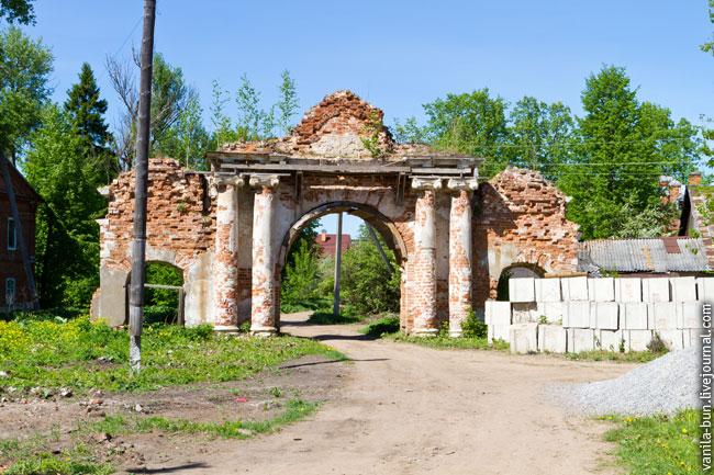 30_арка-заброщенной-церкви