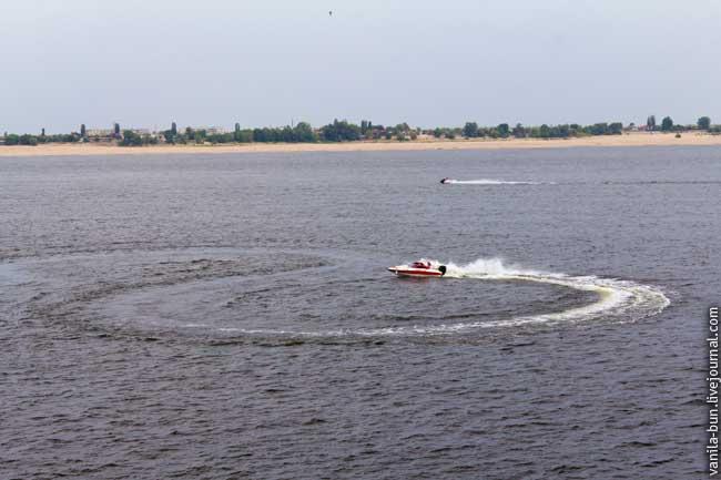 11-волга-и-лодка