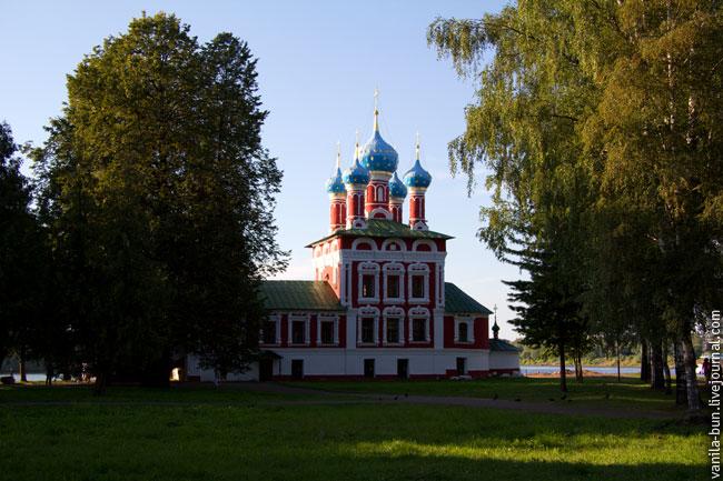 Церковь-царевича-Дмитрия-на-крови-,-1692