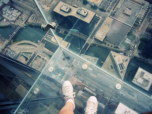stroitelstvo-strah-steklo-fotografiya-obuv-Favim.ru-93878