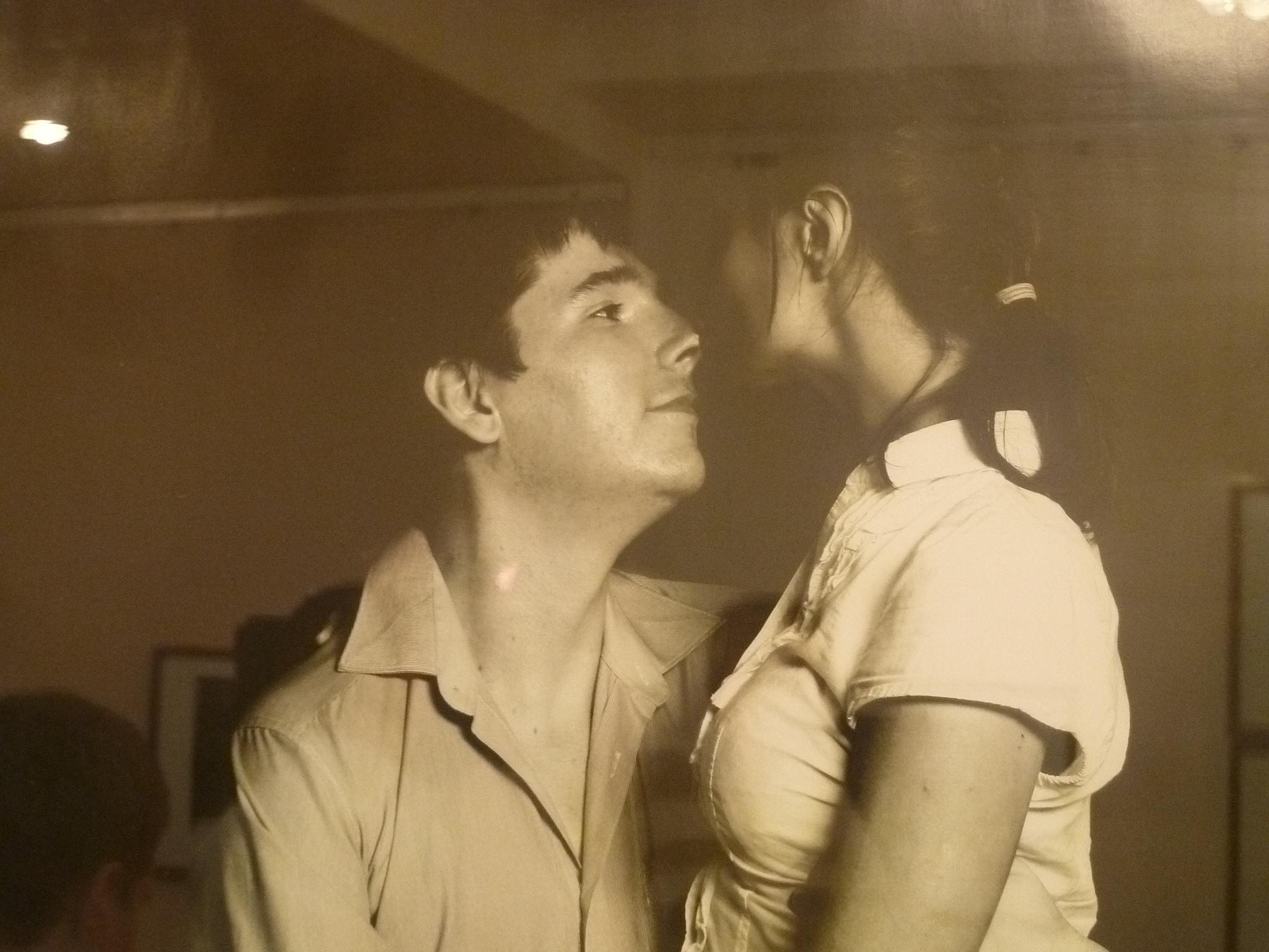 Фото девушек которая целуется с мужчиной 25 фотография