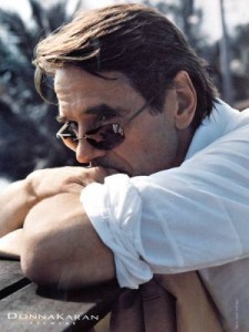 normal_dkny-jeremy-irons-a3