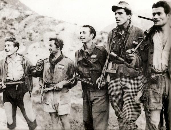 partigiani-in-montagna