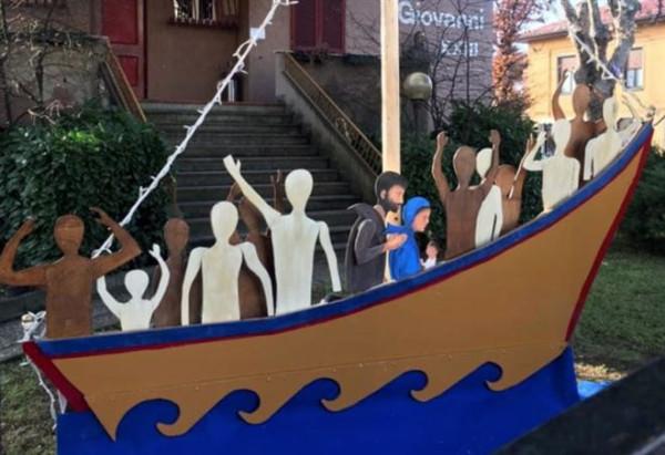 presepe_natale_migranti_profughi_chiesa_arcore_twitter_2017_thumb660x453