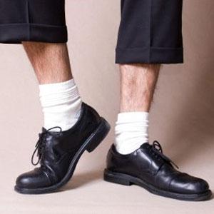 calzini corti o lunghi - corto bianco peli - non si dice piacere