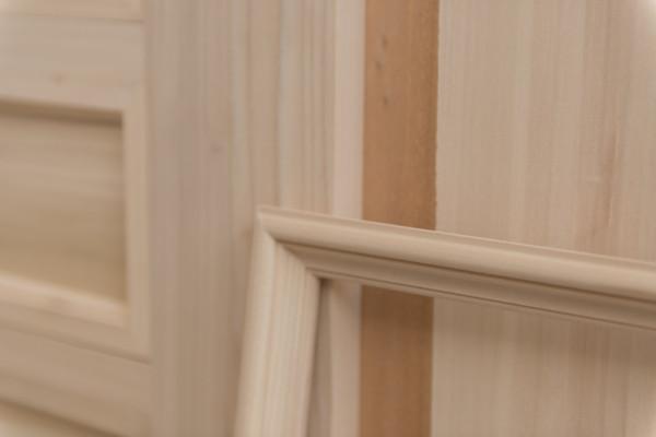 legno-chiaro-per-mobili-con-come-fatto-un-mobile-in-arte-povera-artlegno-e-cornice-sportelo-mobile-arte-povera-massello-2000x1335px-legno-chiaro-per-mobili