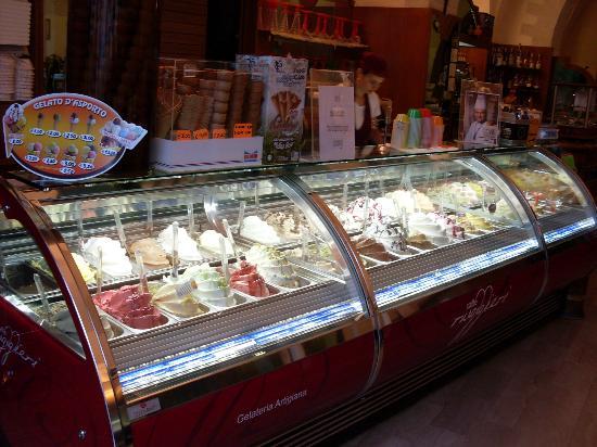 Итальянский бар bar-gelateria-ruggieri