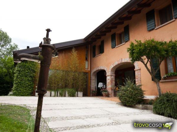rustico_casale_e_casa_di_corte-in-vendita-a-castelfranco_veneto
