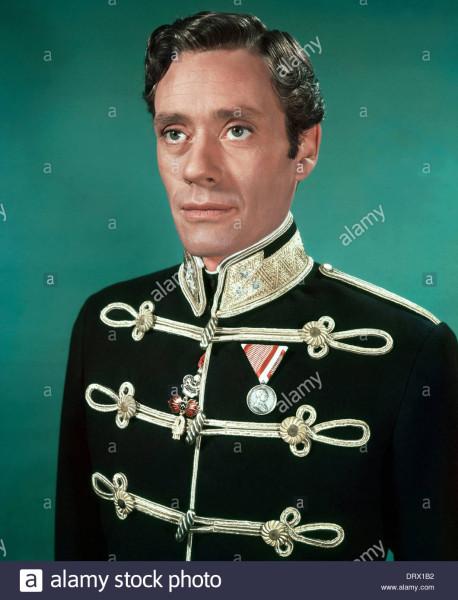 la-guerra-e-la-pace-1956-paramount-pictures-film-con-mel-ferrer-come-il-principe-andrej-bolkonsky-drx1b2