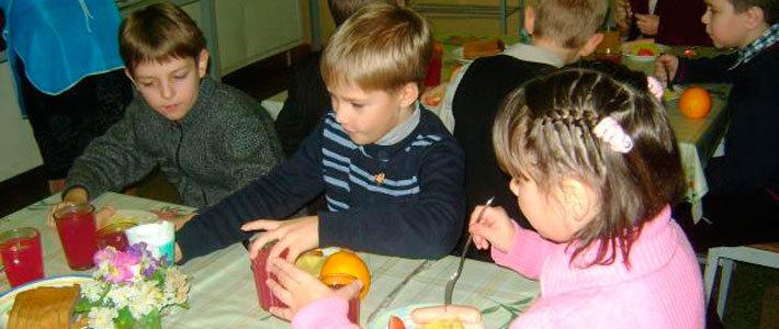 Ноу-хау: школьникам повышают оценки за согласие питаться в столовой