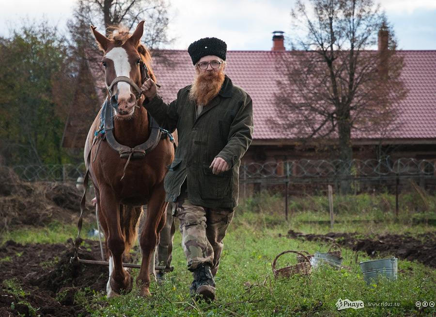 Герман Стерлигов: о мигрантах, электронном концлагере и вере в пенсионные накопления