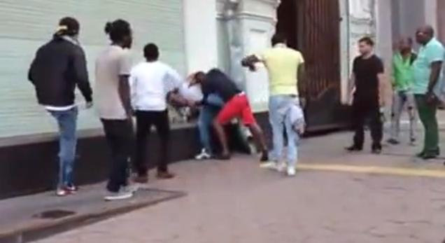 Обычный московский день: негры бьют таджиков