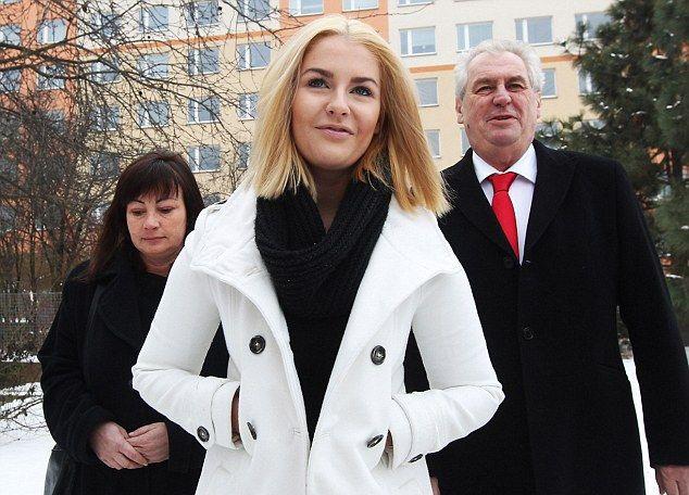 Дочь президента Чехии любит групповушку