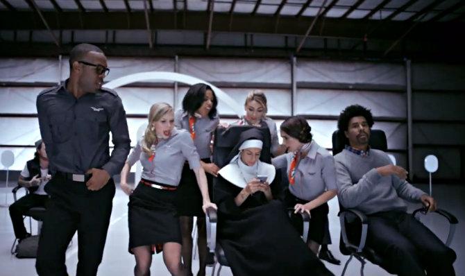 Инструкция Virgin America о безопасности полетов стала вирусным видео