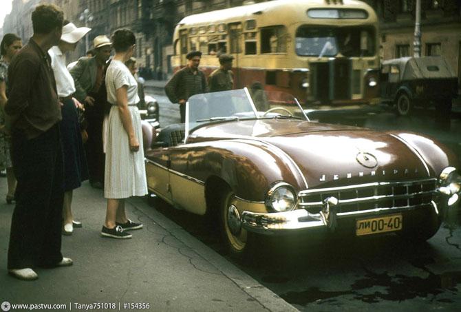 Автомобиль-самоделка на улице Герцена (Большой Морской). 1956 год. Ленинград.
