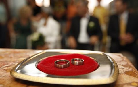 8-летняя девочка развелась со своим 14-летним мужем
