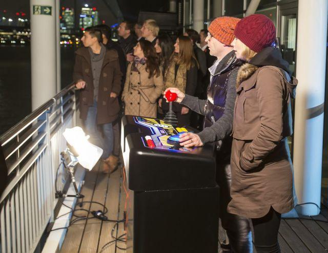 Самый большой экран в мире для игры Pacman