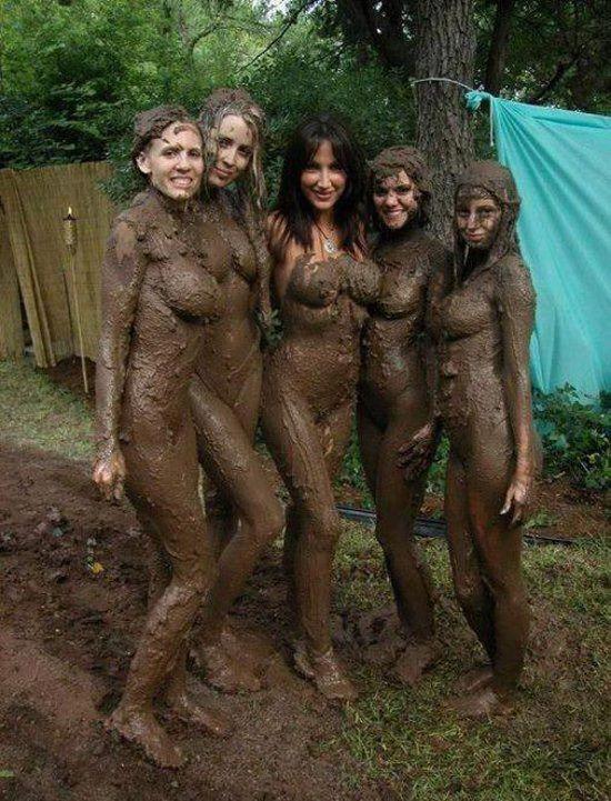 Таньки грязи не боятся!