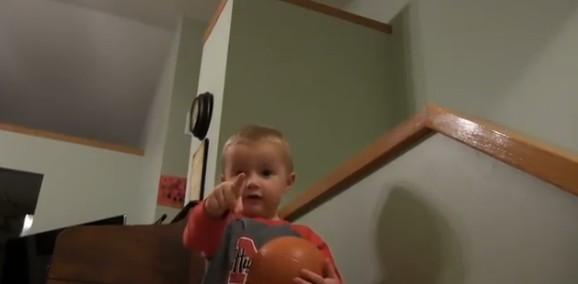 Двухлетний малыш вундеркинд Титус из США — будущая звезда баскетбола