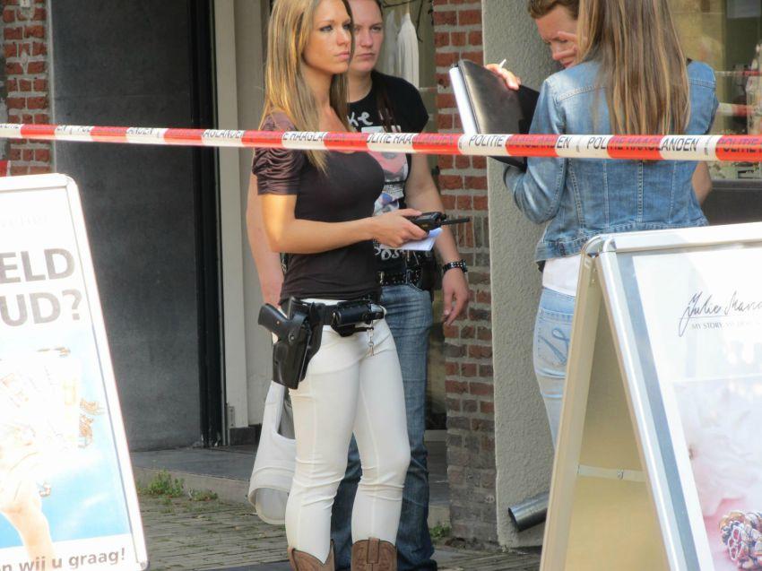 Офицер голландской полиции